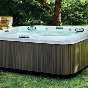 hot-tub-amospa-jacuzzi-wellness